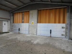 Industrial Flood Gates by StormMeister®. Flat (zero) threshold, no trip hazard and easy access by forklift trucks